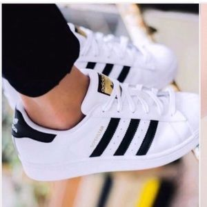 Adidas superstar sneakers shoes 5.5